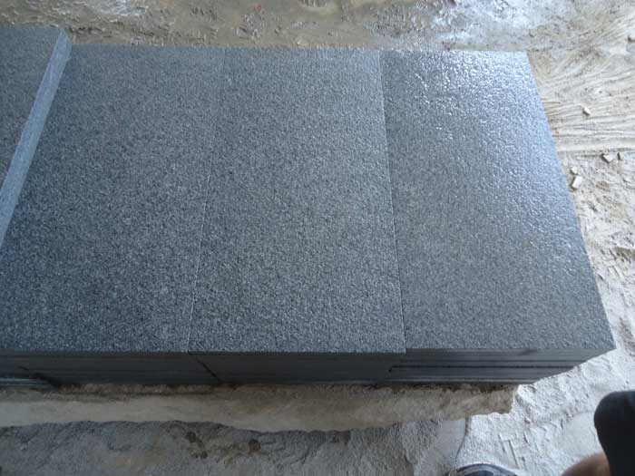G654 Grey Tiles 30x60 Flamed